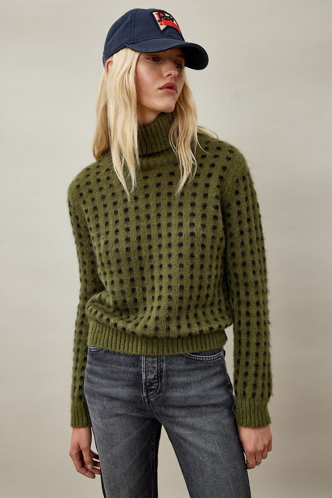 ROY ROGER'S TURTLE NECK SWEATER IN PIXEL MOHAIR